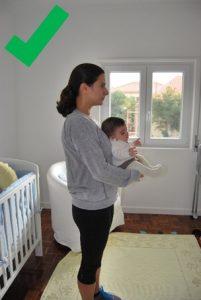 segurar bebé